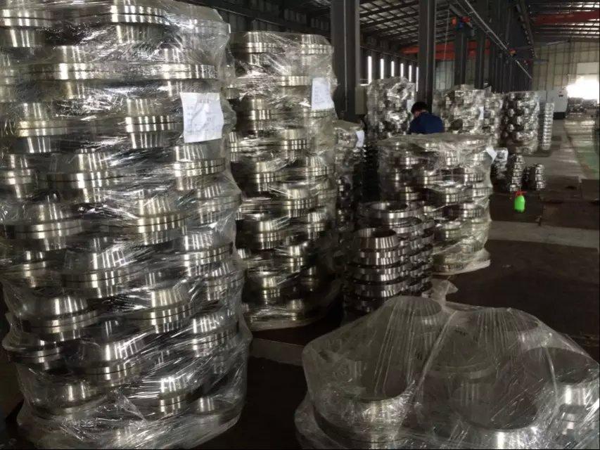 碳钢法兰它作为法兰类型中的一种,具有什么特点呢?